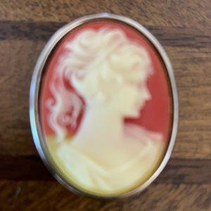 1102 Vintage Cameo travel pill box brooch pendant.